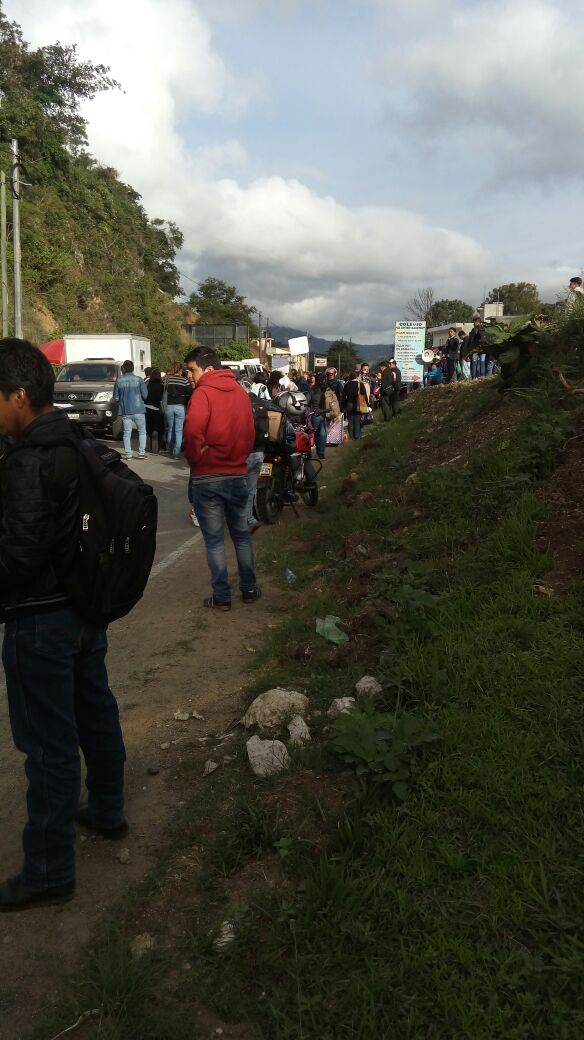 En Huehuetenango los inconformes bloquearon la ruta a las 7 de la mañana.