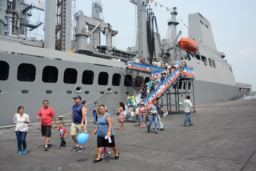 Embarcación que fue abierta al público en Puerto Quetzal. (Foto Prensa Libre: Enrique Paredes).