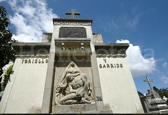 Tumba de la familia Toriello Garrido donde descansa el ciudadano Jorge Toriello. (Foto: Hemeroteca PL)