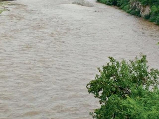 El Río Grande, de Zacapa, ha sido contaminado por  poblaciones que residen en sus riberas. (Foto Prensa Libre: Hemeroteca PL)