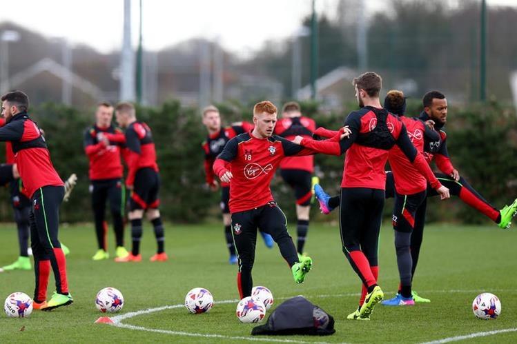 El Southampton va con todo frente al United en busca de un histórico título. (Foto Prensa Libre: Southampton FC)