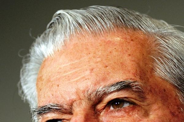 <p>El escritor peruano recibió el Premio Nobel de Literatura en 2010. (Foto Prensa Libre: AP)<br></p>
