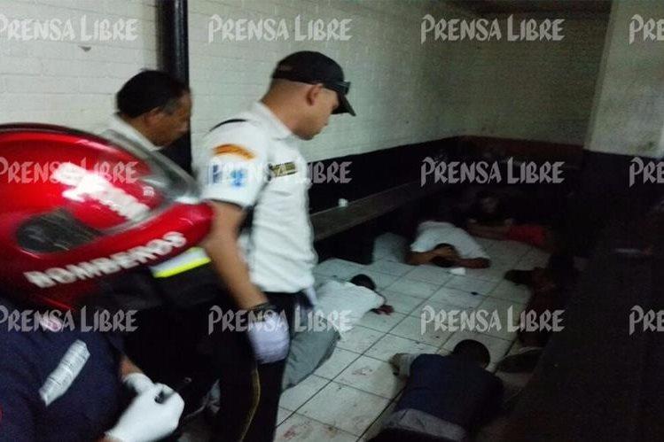 En esta área estaban los presuntos pandilleros que fueron atacados en la Torre de Tribunales. (Foto Prensa Libre: Sara Melini)