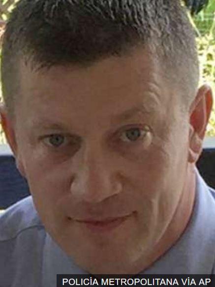 La Policía Metropolitana informó que el agente muerto es Keith Palmer, de 48 años.