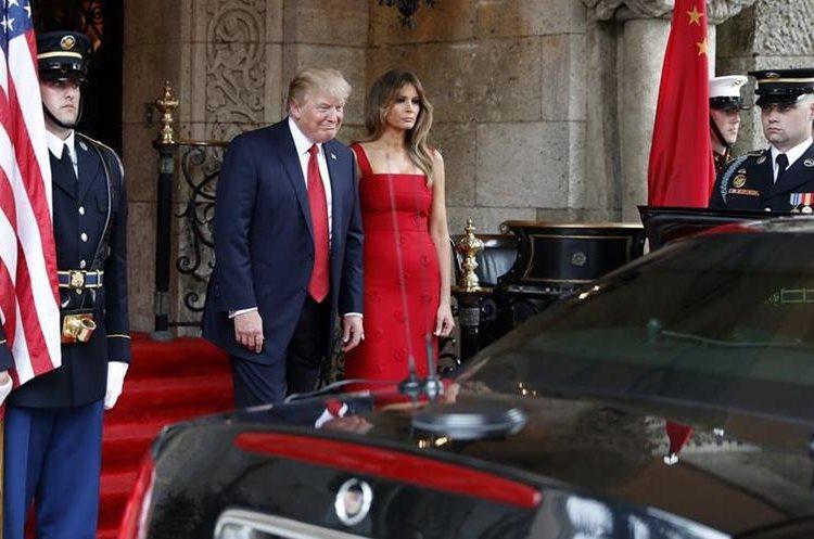 Melania Trump y su esposom Donal Trump, presidente de Estados Unidos. (AP)