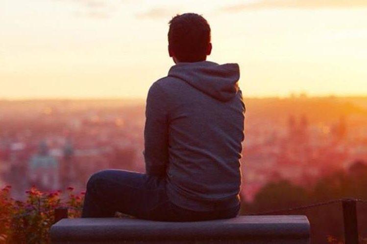 El problema más común entre los varones suele ser la dificultad para lograr o mantener una erección. (THINKSTOCK)