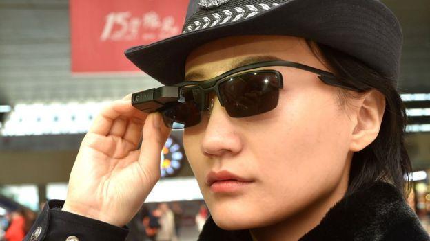 Algunos temen que China use este nuevo sistema para perseguir a los disidentes. (AFP)
