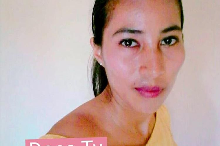 La enfermera Lisdey Areli Ramírez murió en el Centro de Salud de aldea, El Rico, Los Amates, Izabal.  (Foto Prensa Libre: Dony Stewart)