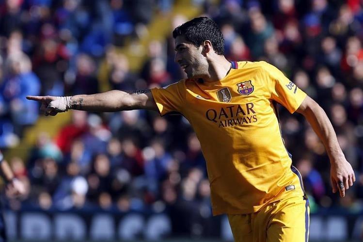El delantero uruguayo del Barcelona, Luis Suárez, aseguró que sería histórico revalidar la Liga de Campeones. (Foto Prensa Libre: EFE).