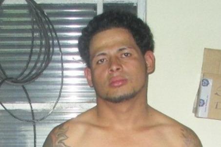 Josué Barrera Perdomo es señalado de organizar peleas de perros en la vía pública. (Foto Prensa Libre: PNC)