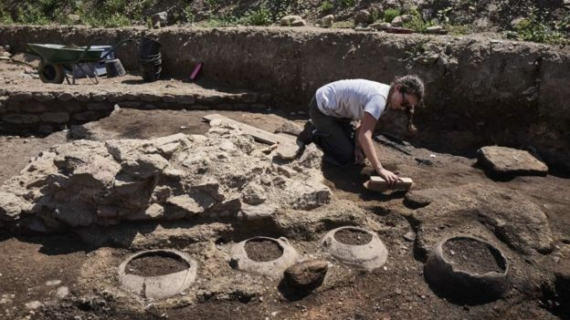 Las excavaciones empezaron en abril y continuarán hasta diciembre. AFP