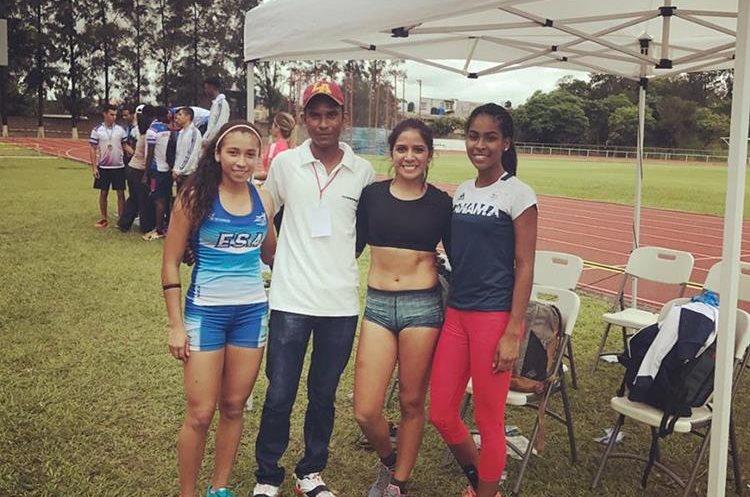 La competencia estuvo reñida por el buen nivel de atletas presentes. (Foto Prensa Libre: Estefany Cruz/Facebook)