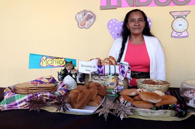 La quesadilla de elote es un producto artesanal, por lo que emprendedoras de Huehuetenango aprenden a elaborarlo. (Foto Prensa Libre: Mike Castillo)