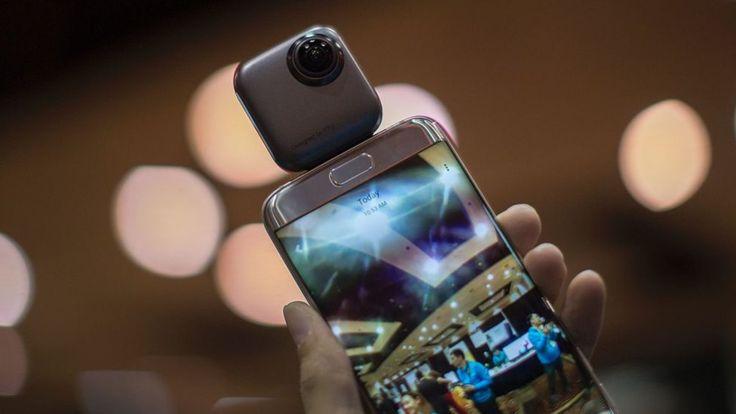 Algunas cámaras se pueden adjuntar al celular, como esta Wink PTU. DAVID MCNEW