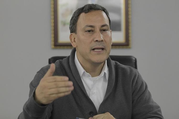 Allan Marroquín es requerido por el Ministerio Público por la firma del usufructo de Puerto Quetzal. (Foto Prensa Libre: Hemeroteca PL)