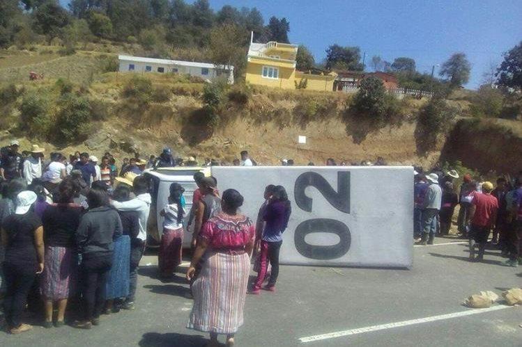Lugar donde se registró el accidente en San Cristóbal Totonicapán. (Foto Prensa Libre: Édgar Domínguez).