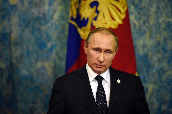 Vladimir Putin felicita a los soldados rusos en Siria en mensaje navideño.