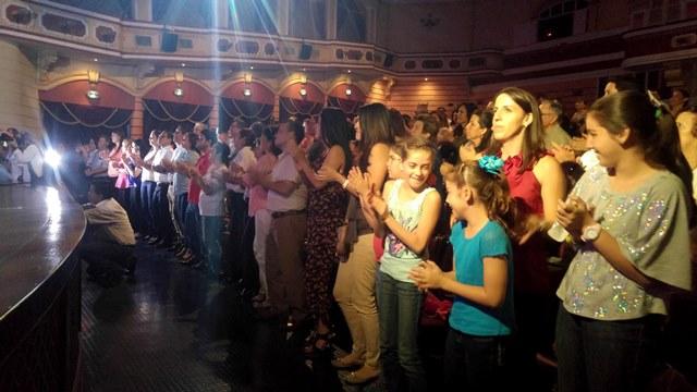 El público disfrutó al máximo del show, el cual duró unos 40 minutos. (Foto Prensa Libre: Rolando Miranda).