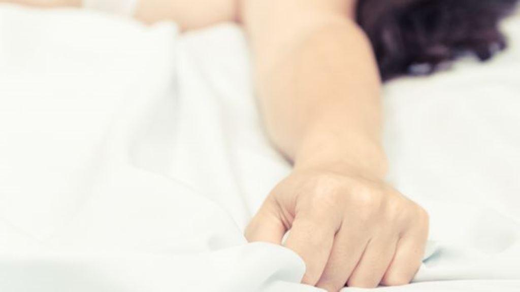 El orgasmo sería un vestigio de un pasado evolutivo en que una fuerte descarga hormonal era necesaria para estimular la ovulación. (THINKSTOCK)