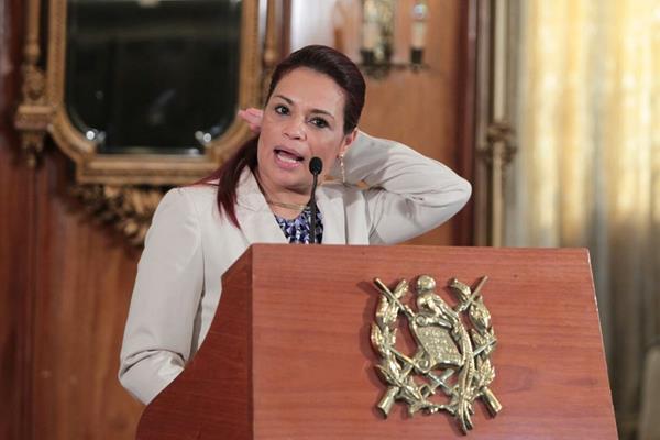 Uno de los momentos durante la conferencia de Prensa de Roxana Baldetti. (Foto Prensa Libre: Paulo Raquec)