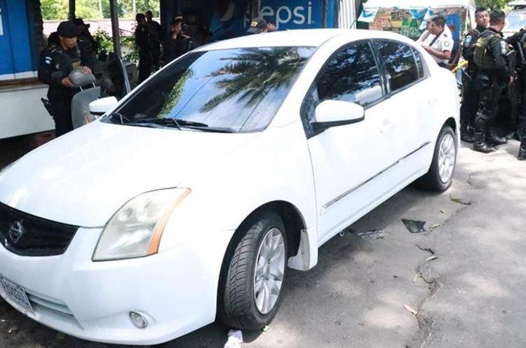 Vehículo en el que eran transportados los dólares en Cocales, Patulul, Suchitepéquez. (Foto Prensa Libre: Cristian Soto)
