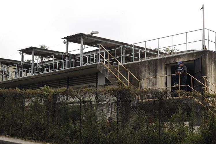 La planta de tratamiento de agua El Cambray distribuye a sectores de las zonas 14 y 15. (Foto Prensa Libre: Hemeroteca PL)