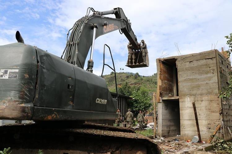 Operativos de destrucción de búnkeres. (Foto Prensa Libre: Whitmer Barrera)