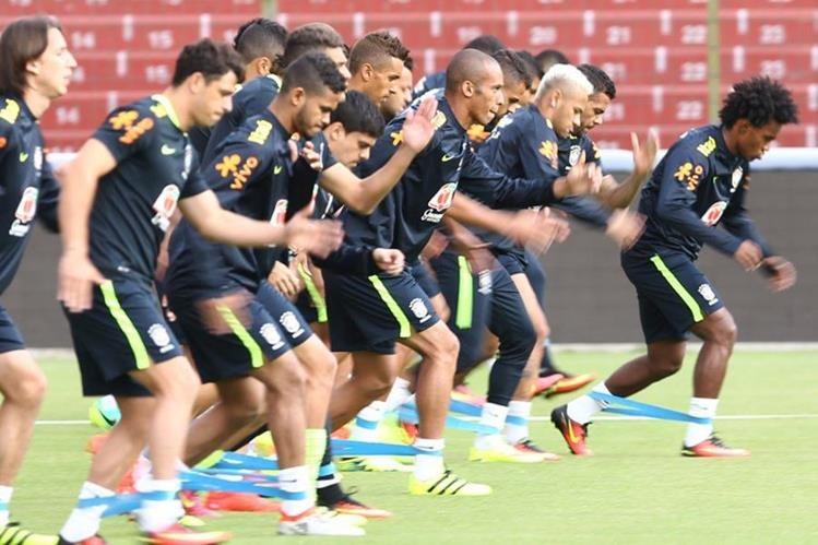 Entrenamiento de la selección de Brasil este miércoles. (Foto Prensa Libre: Twitter Brasil)