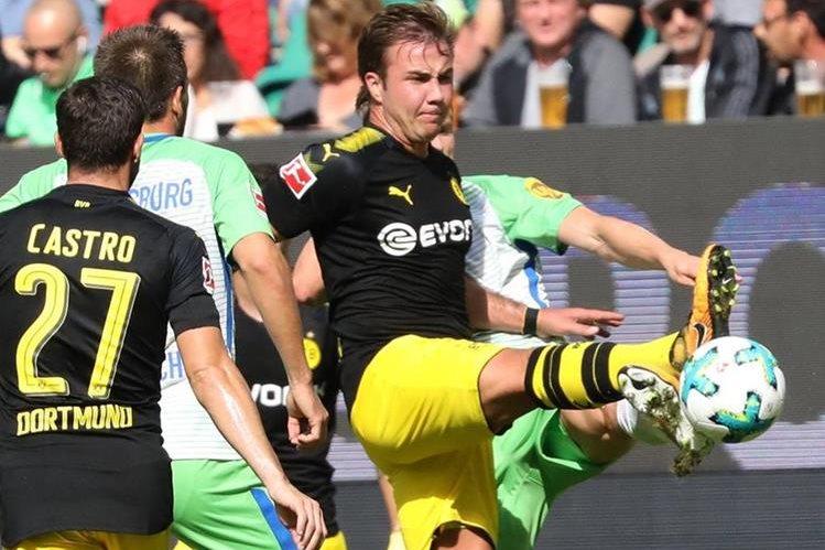 Götze regresó al futbol luego de un problema con su metabolismo. (Foto Prensa Libre: EFE)