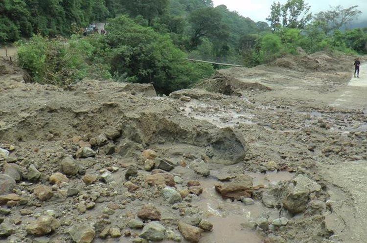Pobladores de varios municipios de Sololá han quedado incomunicados y los vecinos han tenido que utilizar rutas alternas.