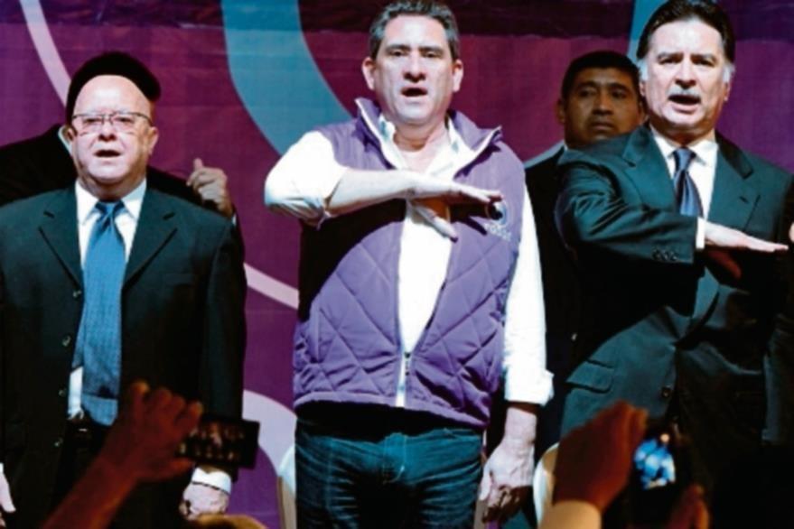 Portillo (der.) en 2015, candidato a diputado, luego de su condena en EE. UU. (Foto: Hemeroteca PL)