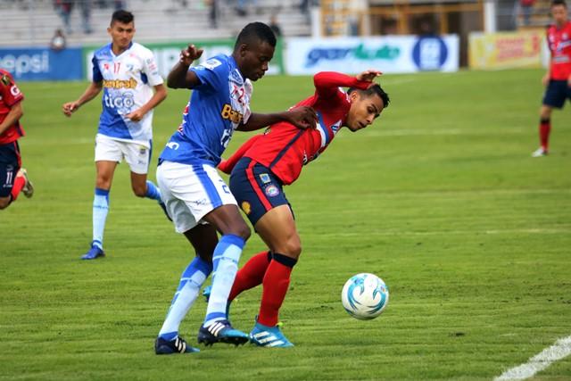 Suchitepéquez cayó el domingo contra Xelajú MC 3-0 por la fecha siete del Torneo Apertura. (Foto Prensa Libre: Carlos Ventura).