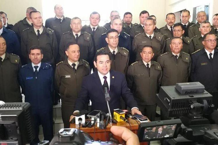 El presidente Jimmy Morales confirmó cambios de mandos en el Ejército de Guatemala. (Foto Prensa Libre: Carlos Hernández)