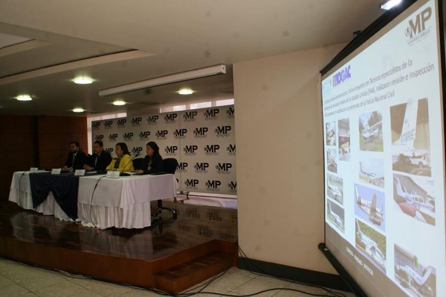 Autoridades explican detalles de la operación en conferencia de prensa en la sede del MP. (Foto Prensa Libre: MP)