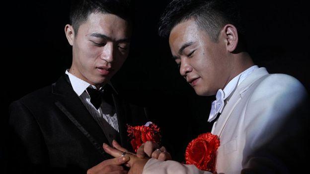 Mao ayudó a que siete parejas gay chinas se casaran en Estados Unidos. (Foto de referencia) GETTY IMAGES