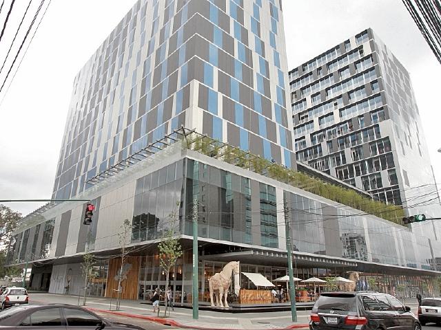 Avia es un concepto  mixto. En el lugar se construye un hotel y centro comercial.
