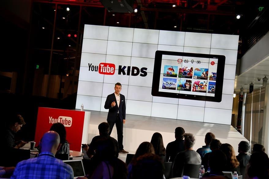 Robert Kyncl, presenta las diferencias de YouTube Kids. (Foto Prensa Libre: AP)