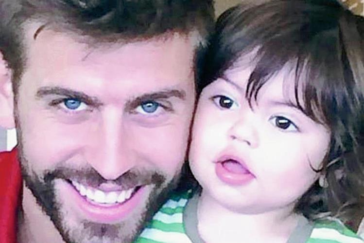 Milan, hijo de Shakira y Pique, cantó le himno del FC Barsa. (Foto Prensa Libre: Hemeroteca PL)