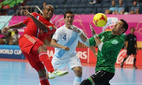 Carlos Mérida es uno de los más experimentados de la Selección Nacional de Futsal. (Foto Prensa Libre: Tomado de Fifa.com)
