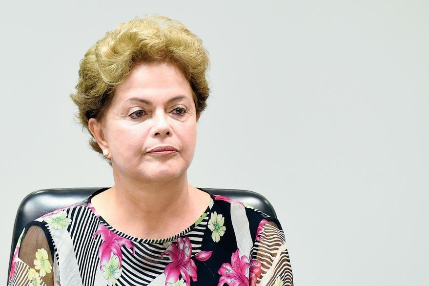 La presidenta  de Brasil, Dilma Rousseff, aparece en el listado de funcionarios beneficiados por Petrobras. (Foto Prensa Libre: AFP)