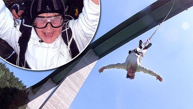 El salto de Baleva fue seguido por los medios de comunicación que trataron de obtener las mejores fotografías. (Foto: Krone.at).