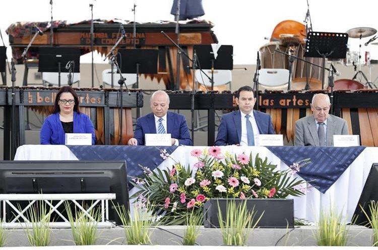 La ceremonia de inauguración contó con la presencia del presidente de Guatemala, Jimmy Morales, el ministro de Cultura y Deportes, José Luis Chea Urruela y los arquitectos Lorena Recinos y Augusto Vela. (Foto Prensa Libre: Pablo Juárez Andrino)