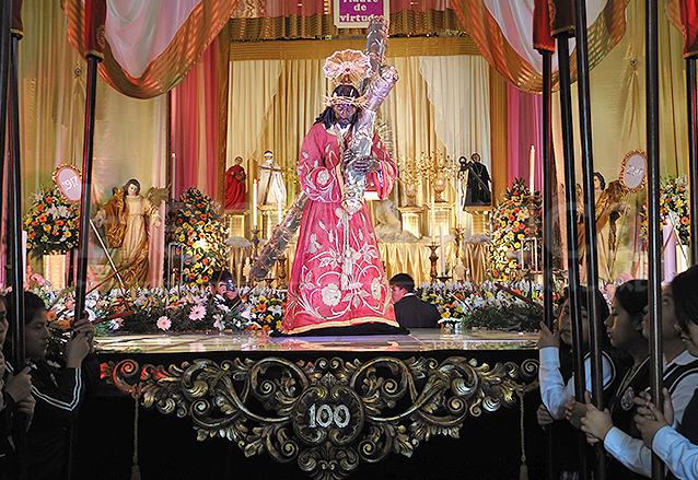 La imagen de Jesús de Candelaria es llamado Cristo Rey desde 1927. Es el segundo nazareno consagrado en la ciudad. (Foto: Néstor Galicia)