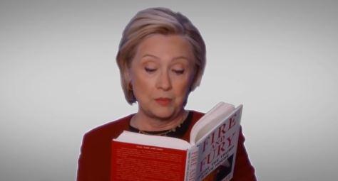 Hillary Clinton fue invitada para leer un fragmento del Libro Fire and Fury en la entrega de los Grammy. (Foto Prensa Libre: Grammys)