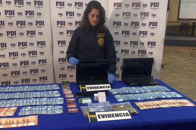 En diferentes operativos en varios países, se incautaron evidencias y detuvieron a prestamistas usureros. PDI