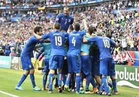 Italia dio el golpe a la Selección española eliminándola de la Eurocopa 2016. (Foto Prensa Libre: AP)