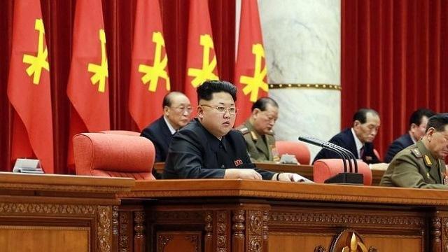 El líder norcoreano, Kim Jong-Un, amenazó con recurrir al arma atómica. (Foto Prensa Libre: AFP)