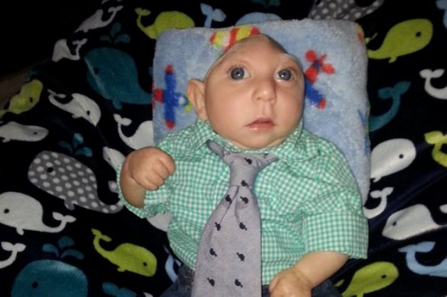 El pequeño de un año lleva una vida normal. (Foto Prensa Libre: Facebook)