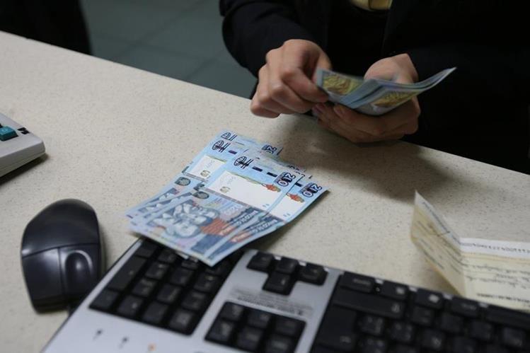 En Guatemala prevalece el uso del papel moneda. (Foto: Hemeroteca PL)