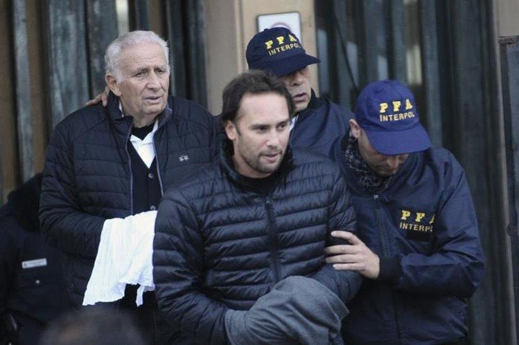 Los Jinkis se entregaron en junio recién pasado a las autoridades argentinas. (Foto Prensa Libre: AP)